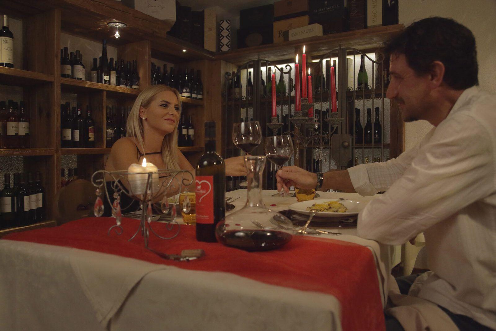 una cena romantica ad andalo