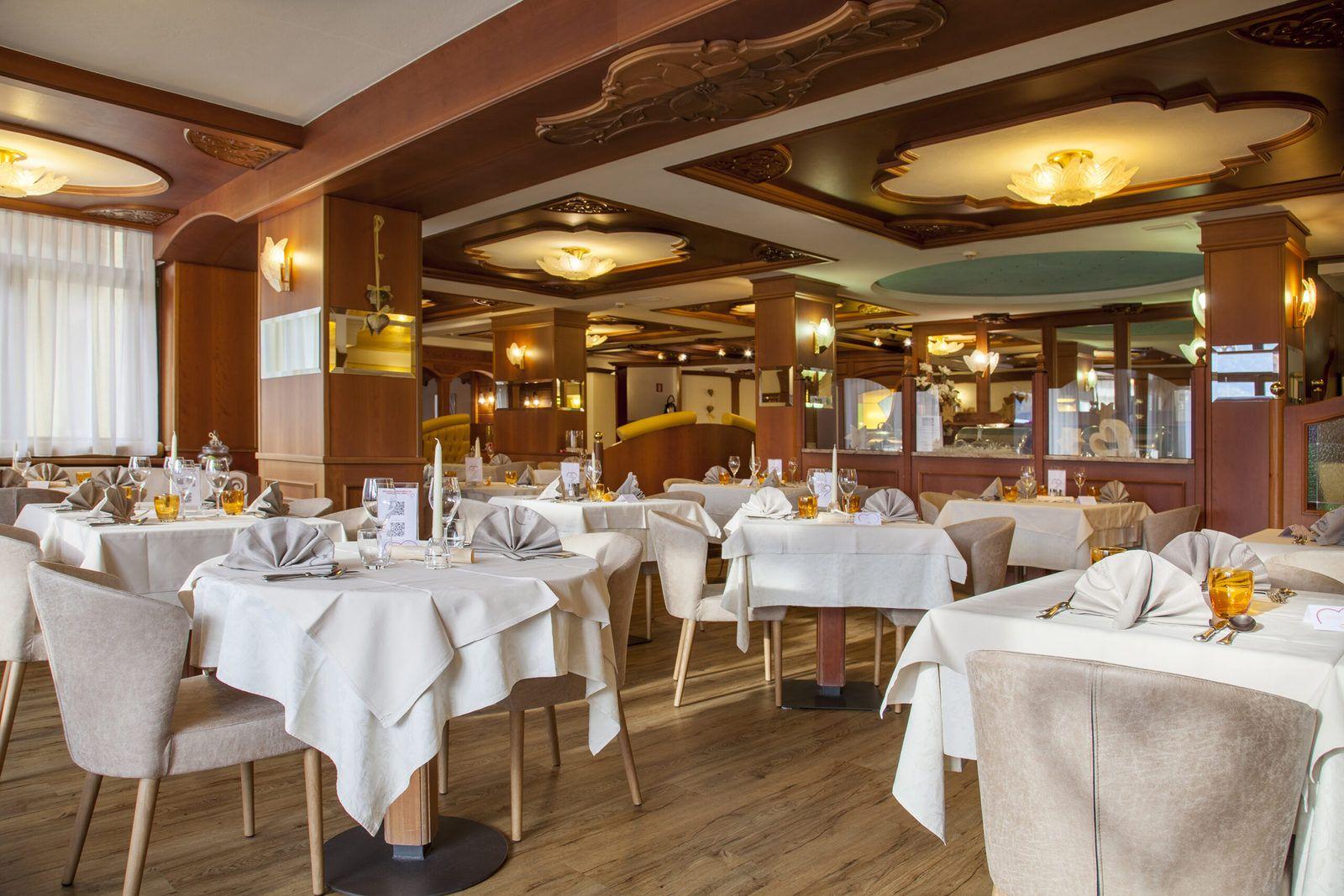 il ristorante del Cavallino Lovely Hotel di Andalo